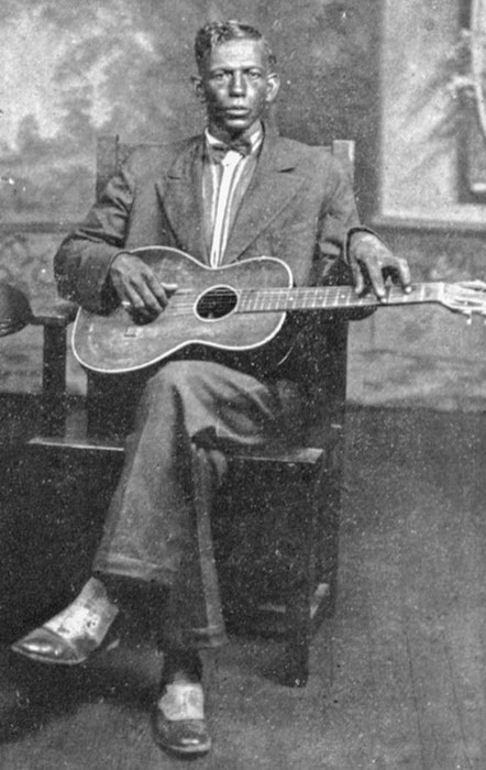 Steelin' the Slide: Hawai'i and the Birth of the Blues Guitar